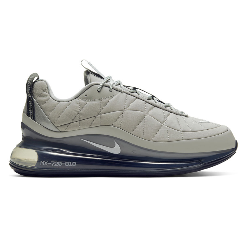 Baskets Nike MX-720-818