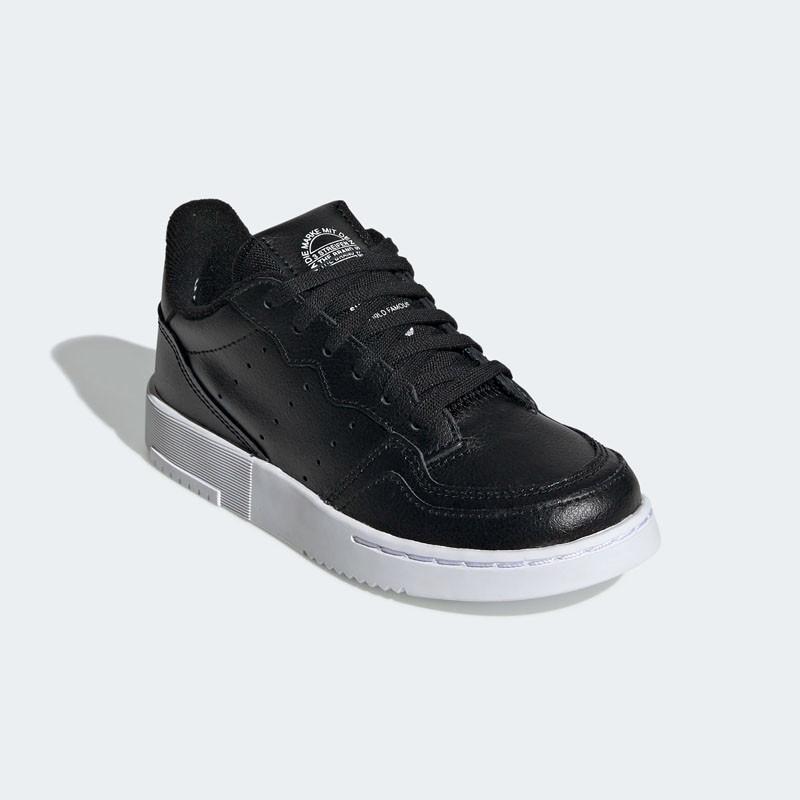 Baskets Adidas Supercourt C