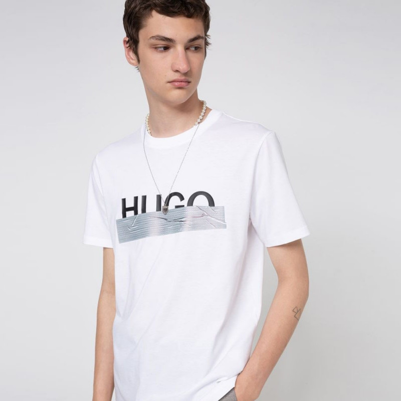 T-shirt Hugo Boss Regular Fit Blanc avec logo artistique